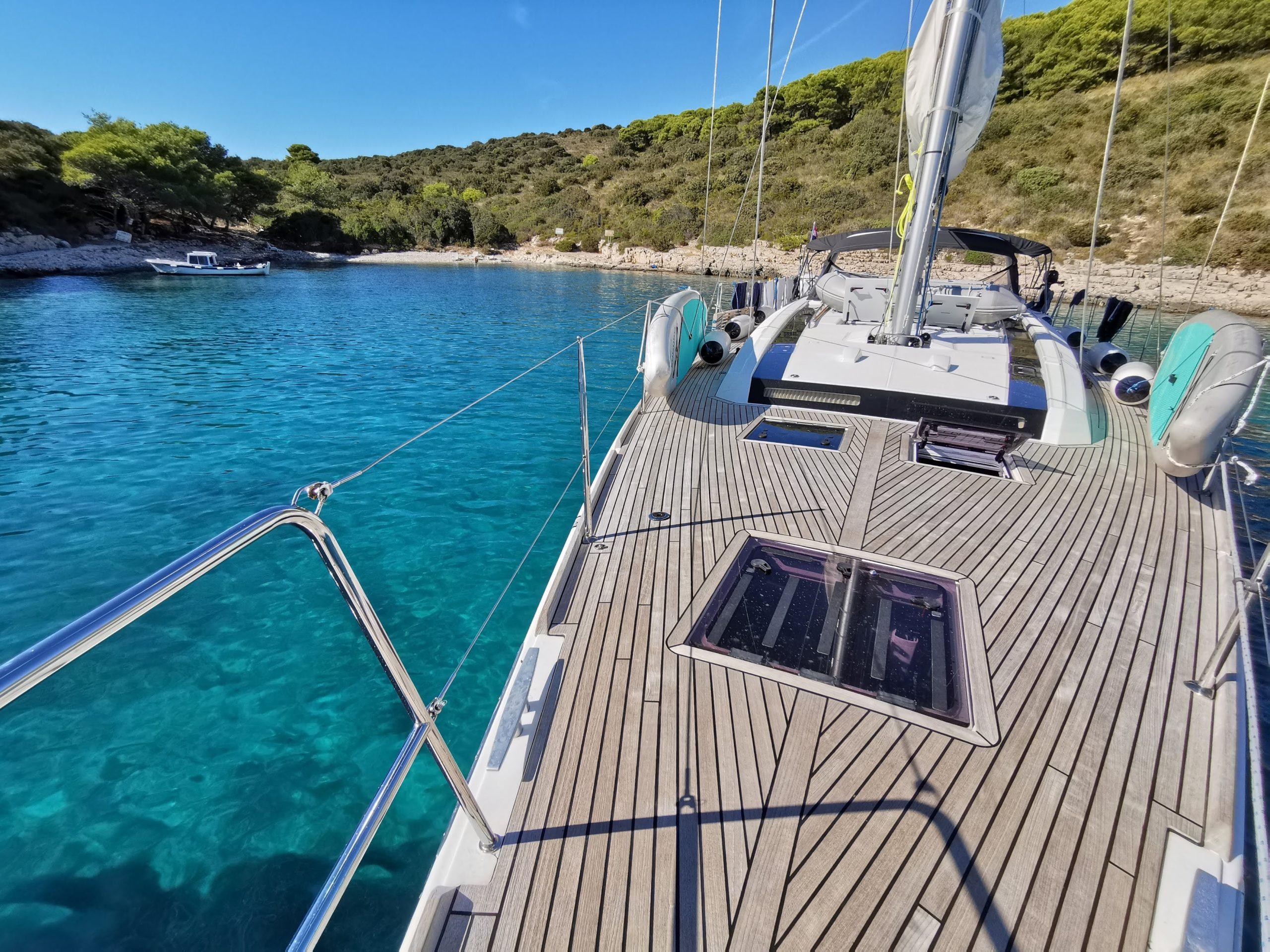 Split Yacht